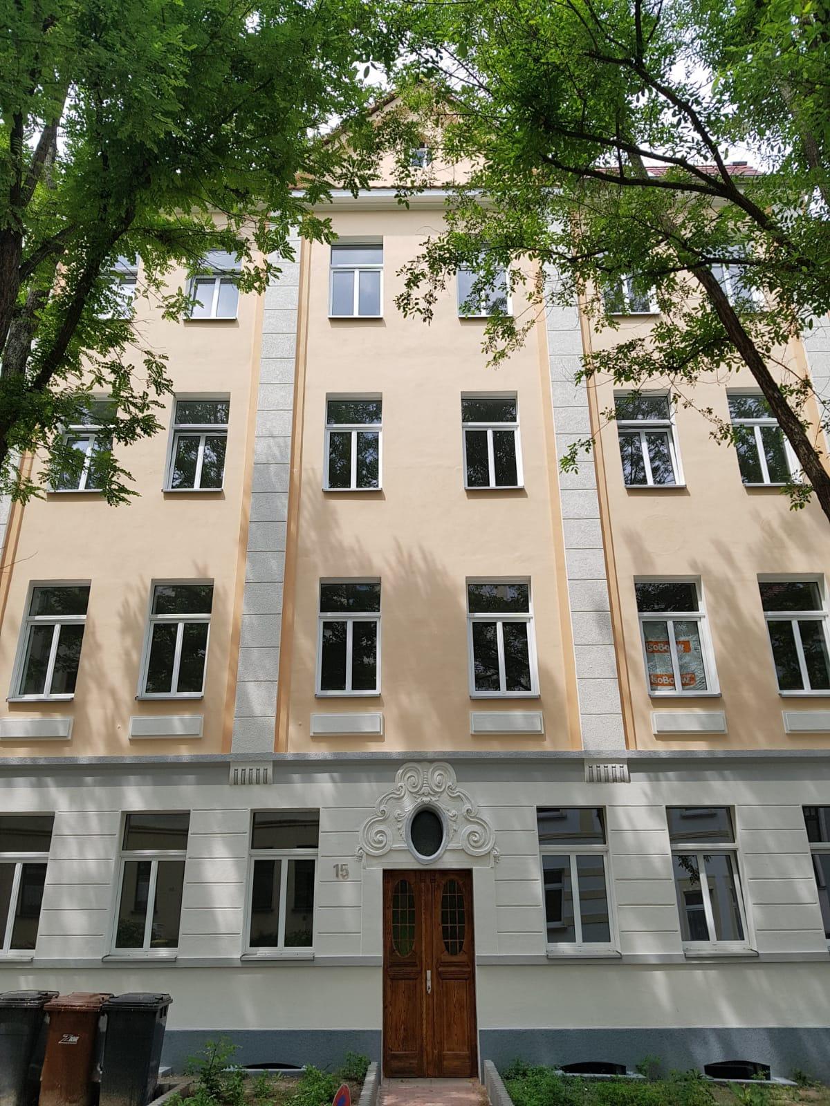 Rosa-Luxemburg-Straße 15 – 2.OG rechts